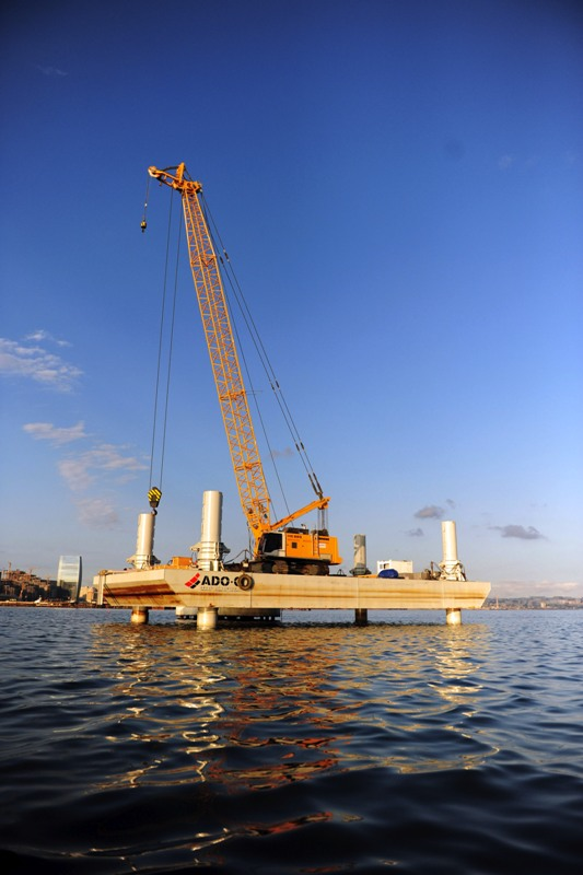 SELF-RAISING FOUR-LEGGED PARTLY BARGE  (30x14m Jack-Up Barge)